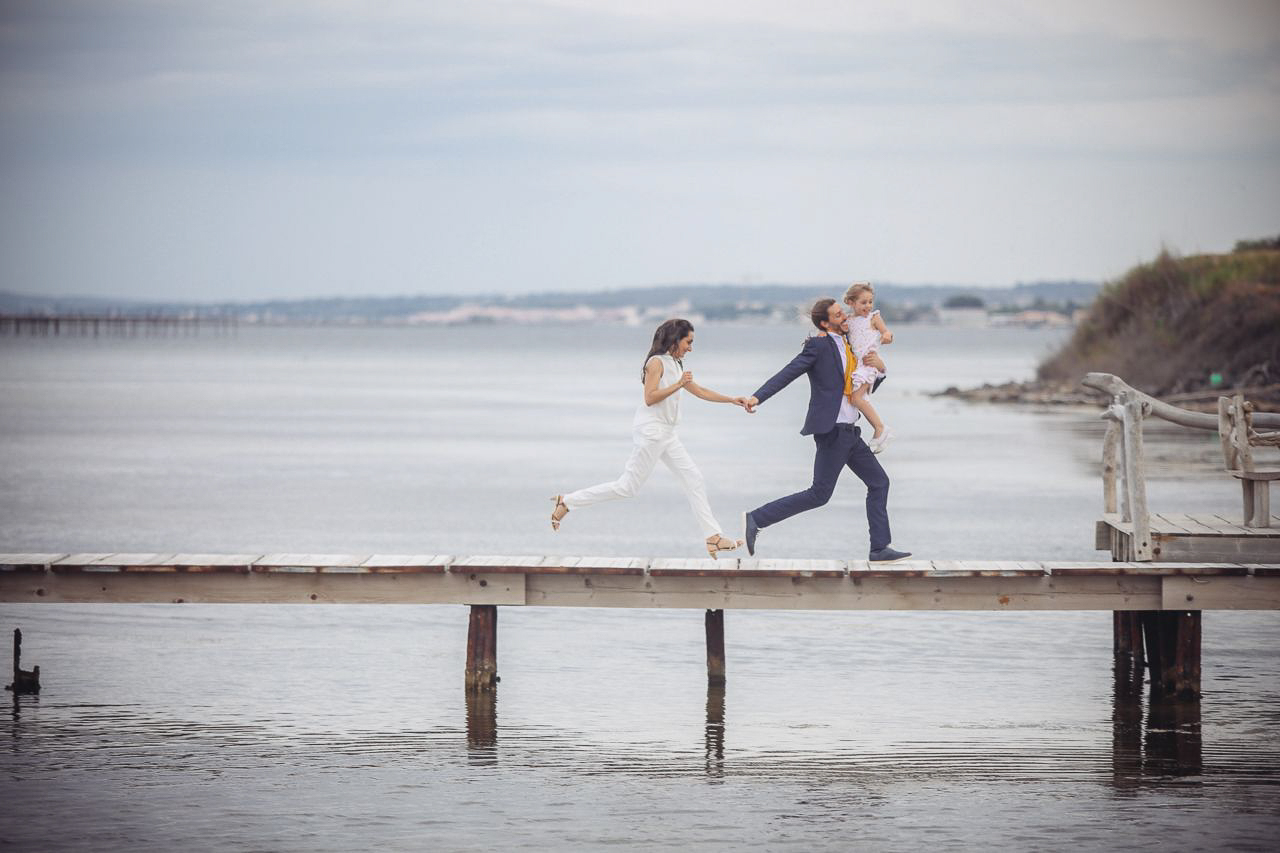 10-photo-couple-famille-engagement-naturel-reportage-photo-mariage-haut-gamme-luxe-chic-boheme-champetre-minimaliste-photographe-aline-ruze-montpellier-nimes-beziers-perpignan