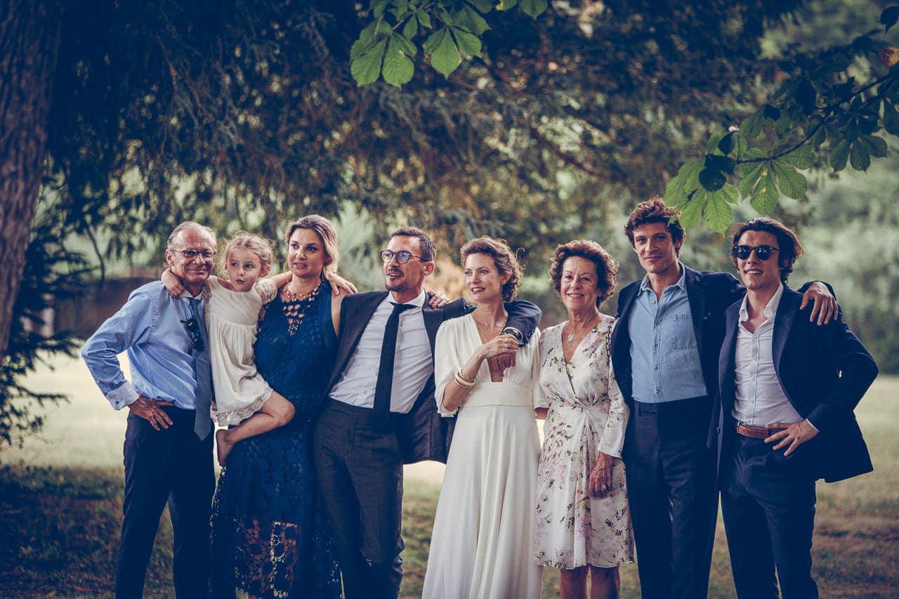 15-photo-cockail-vin-honneur-naturel-reportage-photo-mariage-haut-gamme-luxe-chic-boheme-champetre-minimaliste-photographe-aline-ruze-domaine-moures-montpellier-3