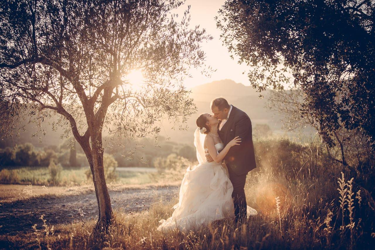photo-couple-naturel-reportage-photo-mariage-haut-gamme-luxe-chic-boheme-champetre-minimaliste-photographe-aline-ruze-domaine-malmont-