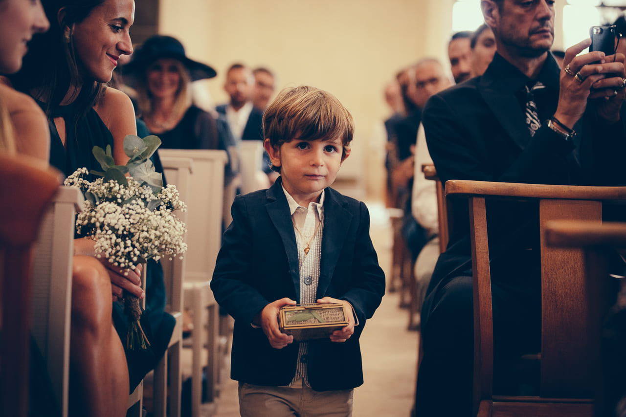 photo-eglise-ceremonie-reportage-photo-mariage-haut-gamme-luxe-chic-boheme-champetre-photographe-aline-ruze-herault-montpellier-3